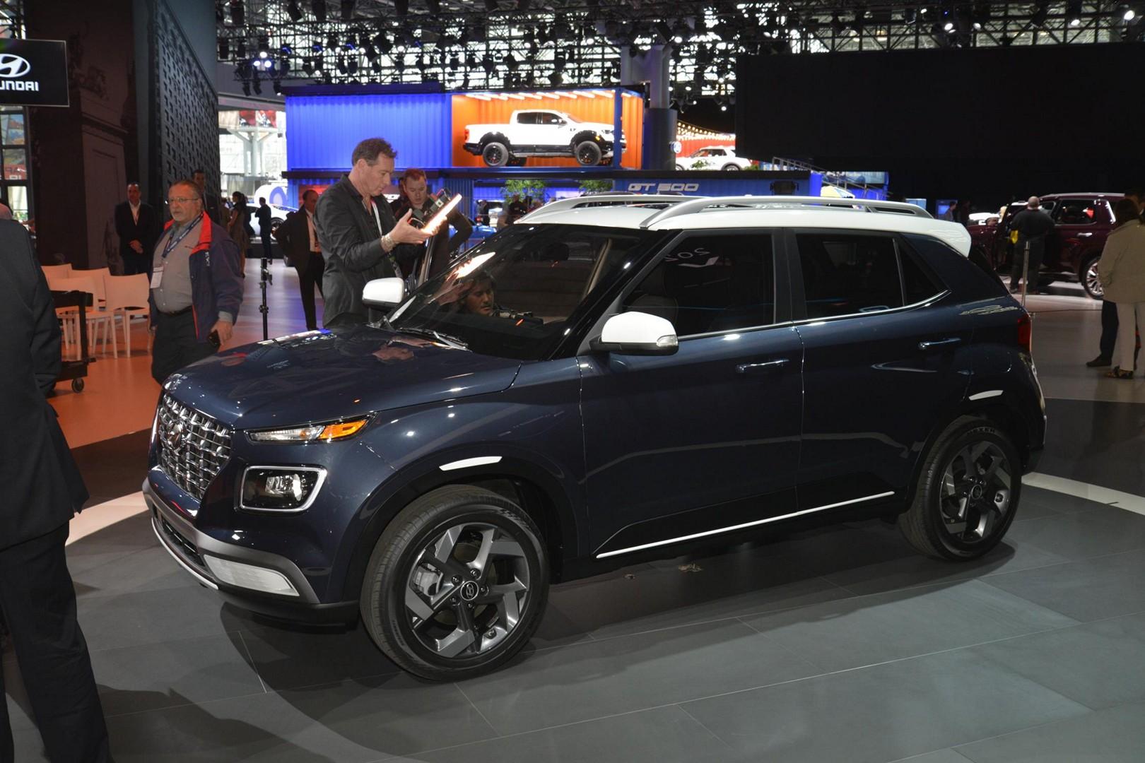 2020 Hyundai Venue Looking To Replace Hatchbacks Autoevolution