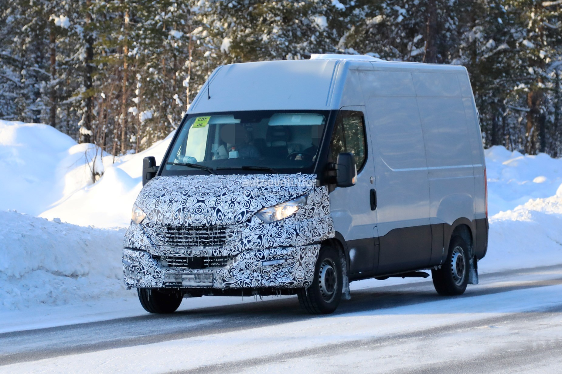 2020 Iveco Daily Features Redesigned Front Fascia Autoevolution