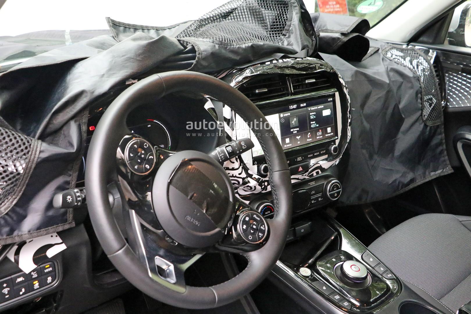 2020 Kia Soul Ev Reveals Interior Probably Has 500 Km Range