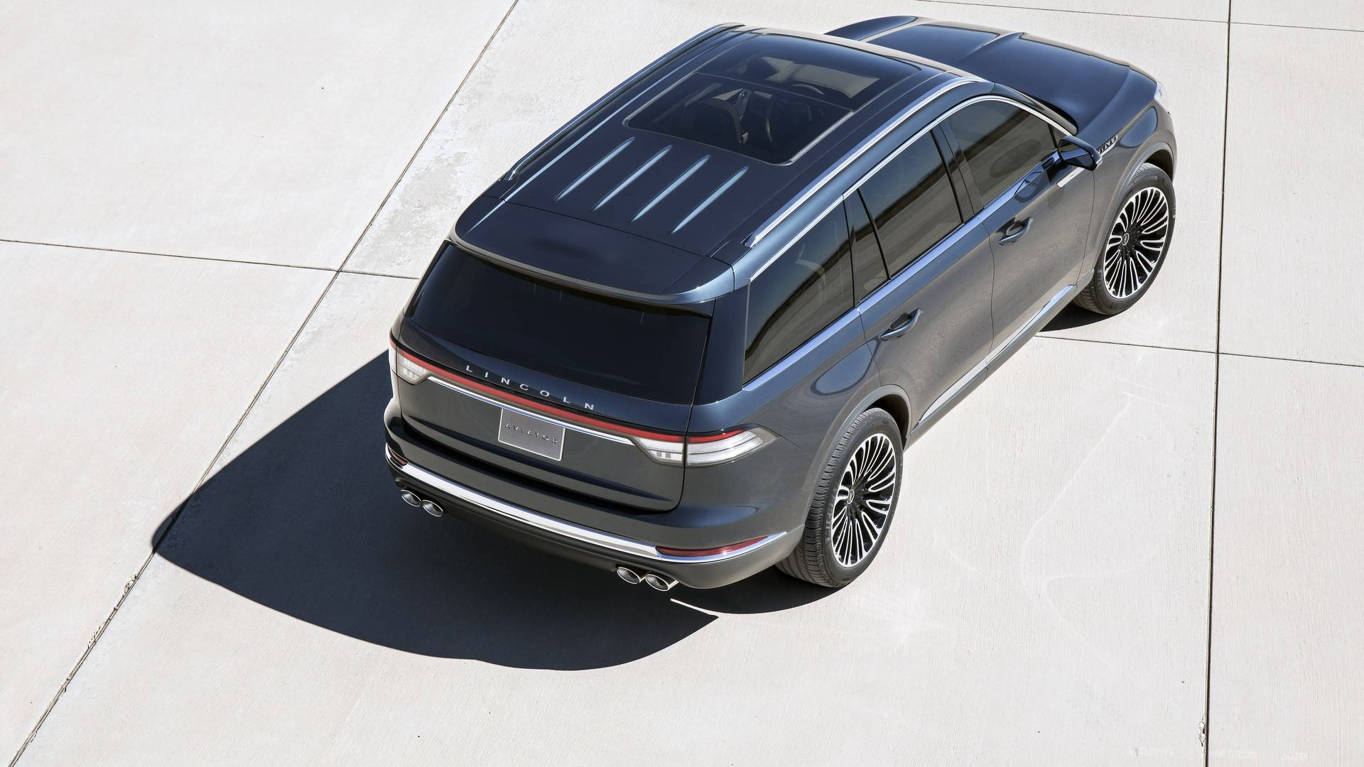 2020 Lincoln Aviator Concept Goes Plug In Hybrid At New York Auto