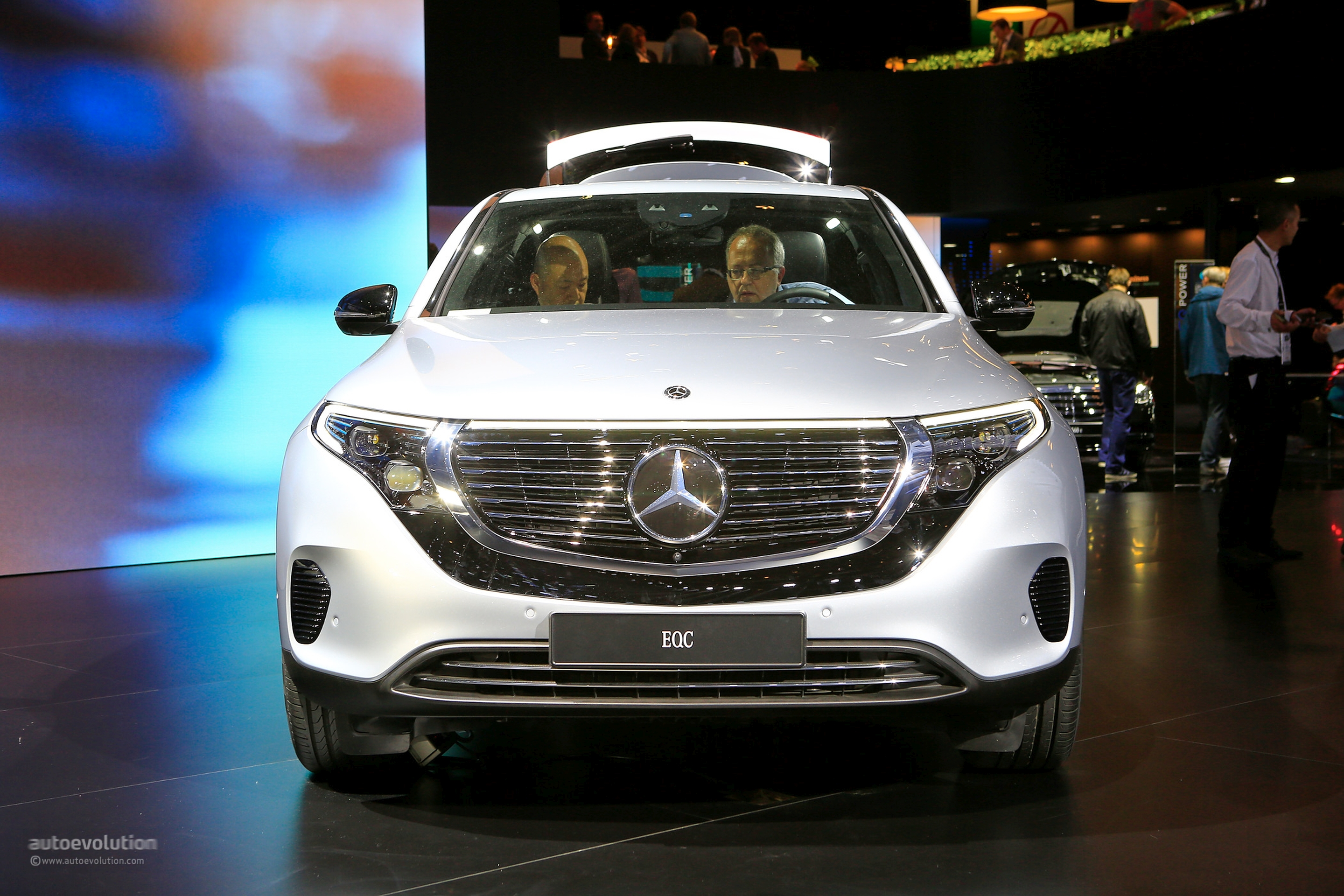 Paris Auto Show 2020.2020 Mercedes Benz Eqc Looks Better In The Flesh At Paris