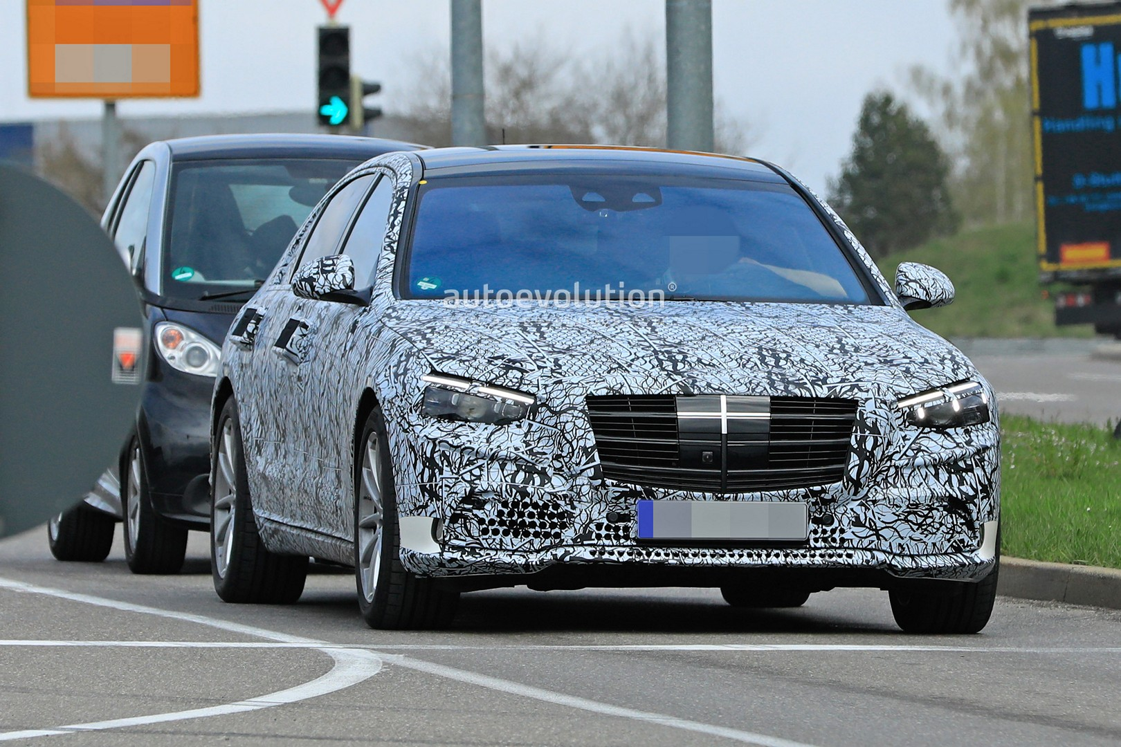 2020 mercedes s-class reveals new design for headlights and grille