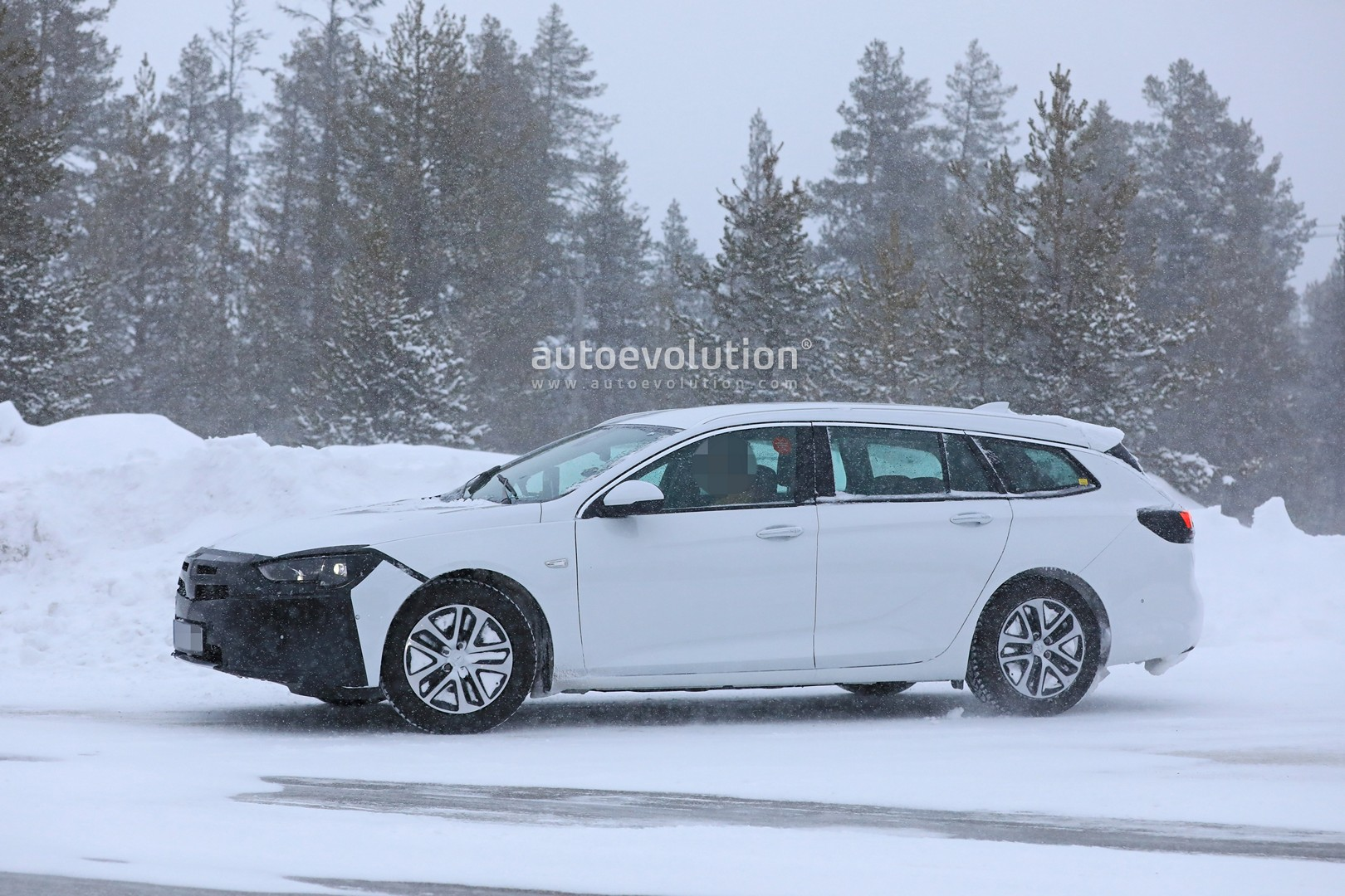 2020 Opel Insignia Facelift Spied Ready For Peugeot 508 Tech