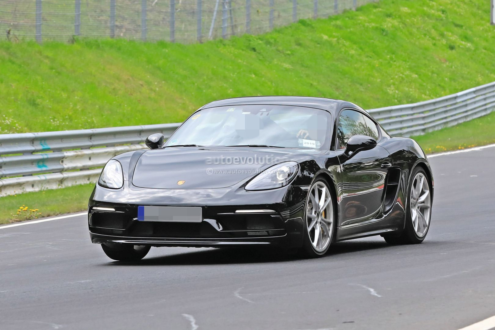 2020 Porsche 718 Cayman Boxster Spied Testing Flat Sixes Touring Pack Rumored Autoevolution