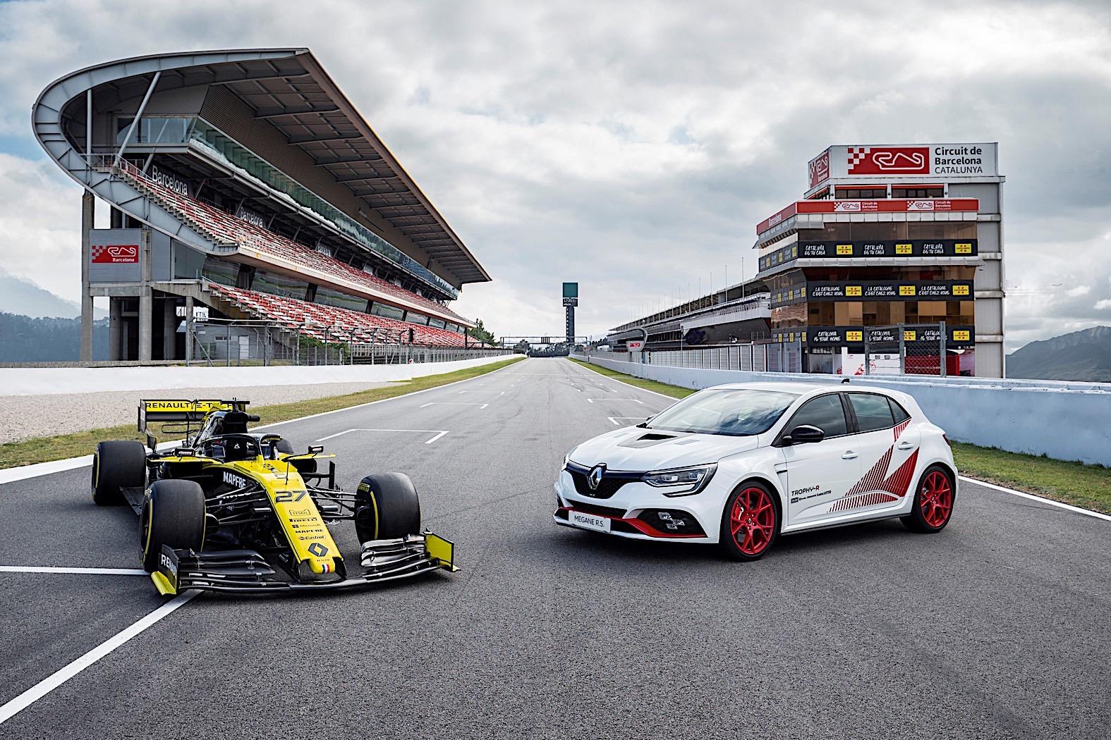 2020 Renault Megane RS Trophy-R Is a Race Car on Steroids
