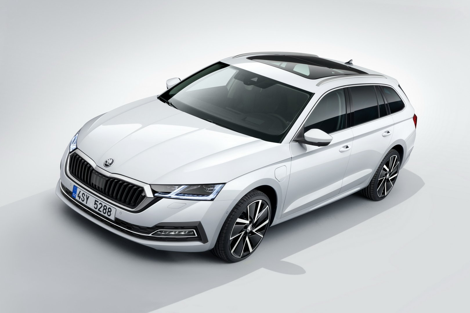2020 Skoda Octavia Debuts With Hybrid Engines 200 Hp Tdi And More Luxury Autoevolution