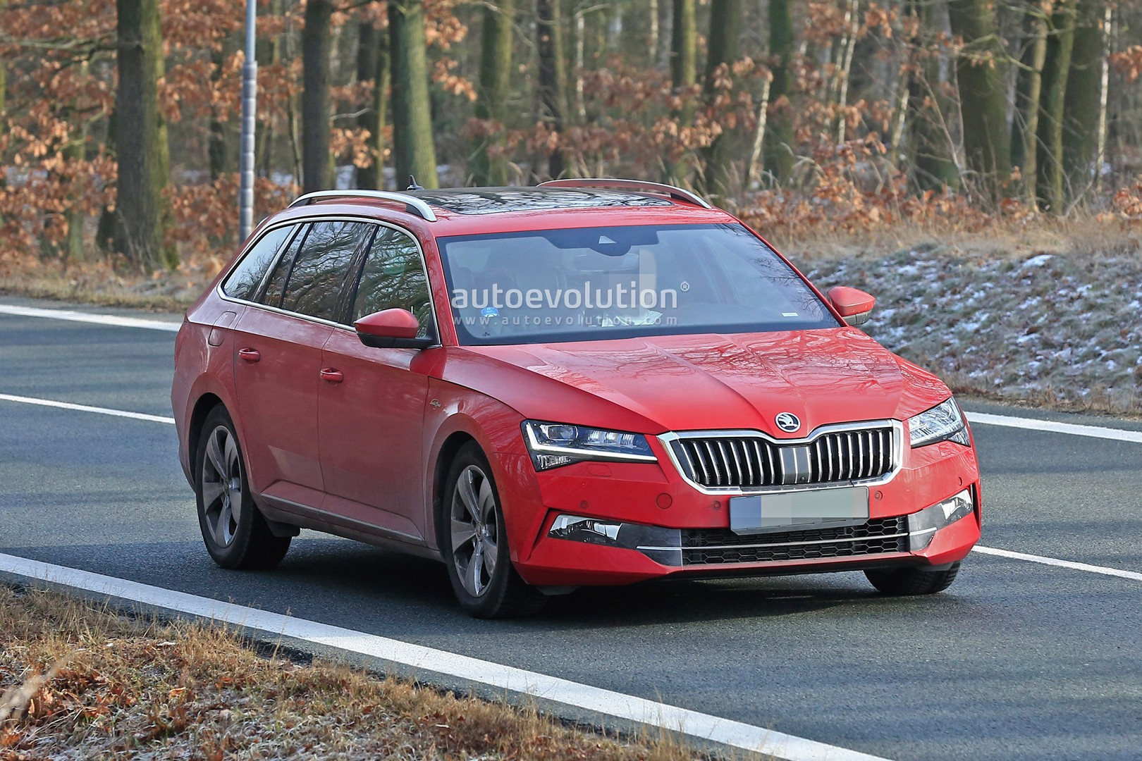 2020 Skoda Superb Facelift Spied Looks Ready To Borrow Passat Tech