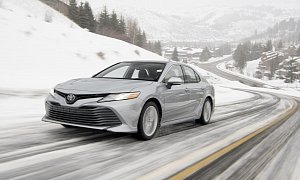 2020 Toyota Camry AWD Fuel Economy Announced: 29 MPG Combined