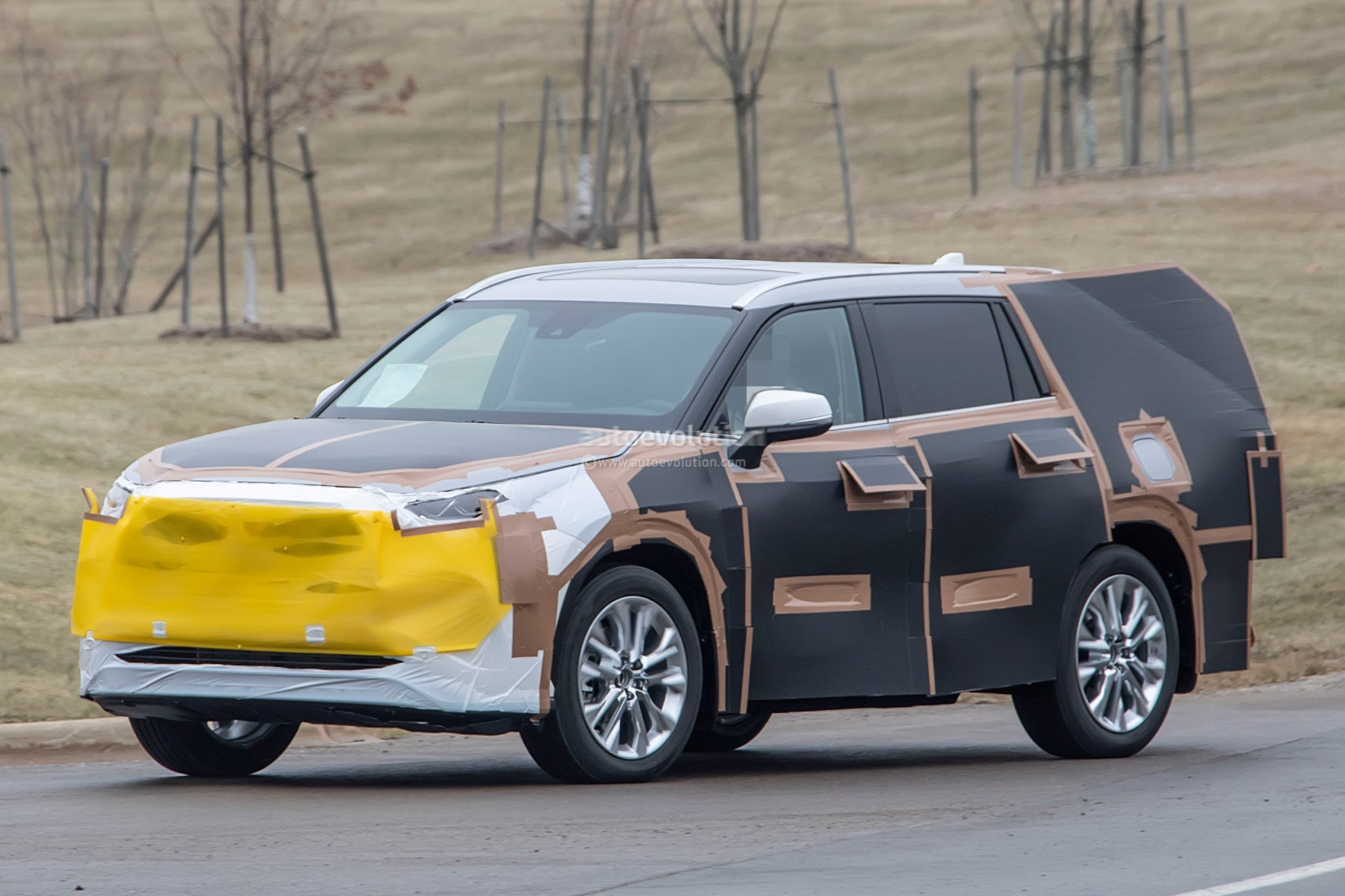 Rav4 Hybrid Reviews >> 2020 Toyota Highlander Spied, Features RAV4-inspired Front Grille - autoevolution