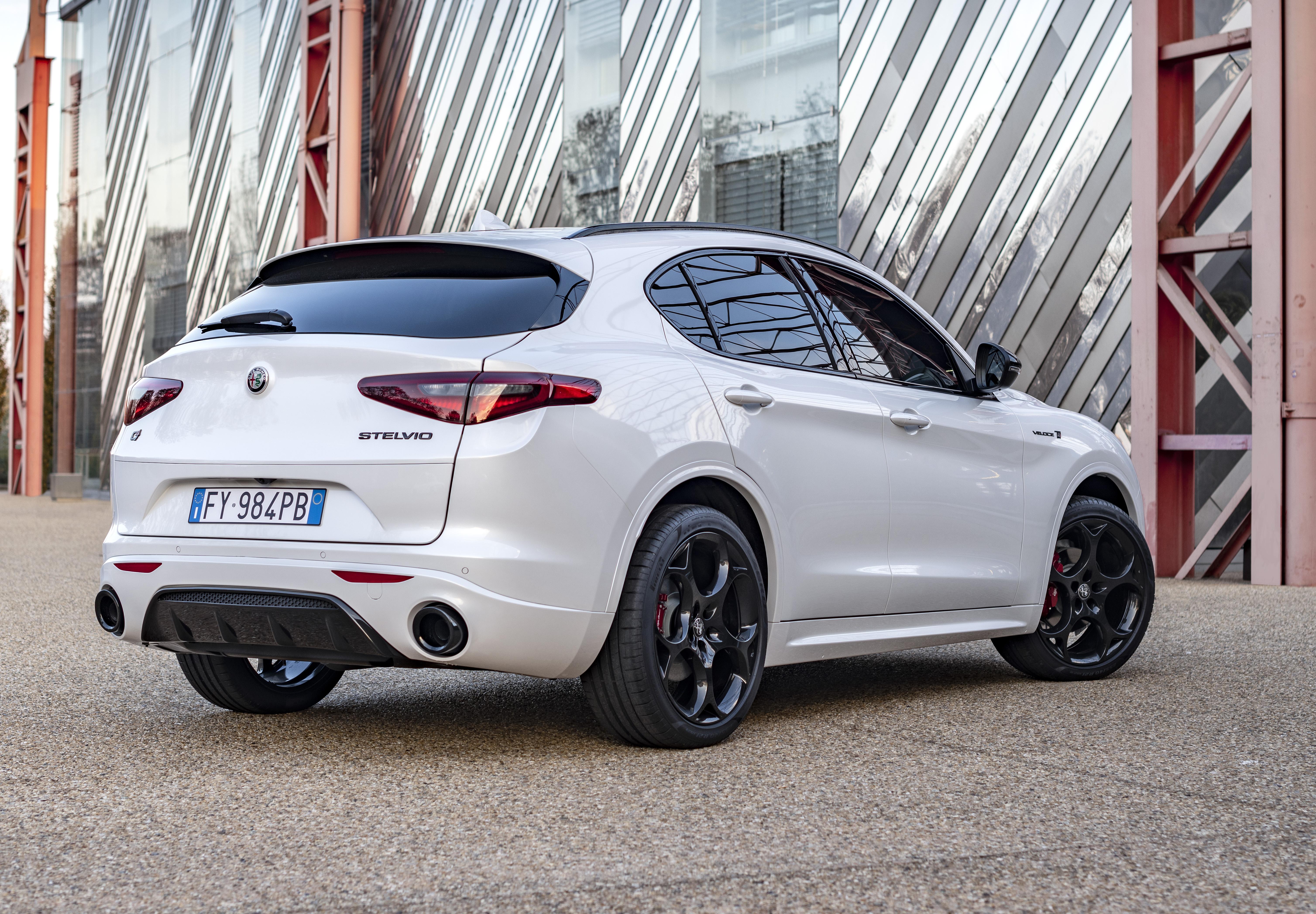 2021 Alfa Romeo Stelvio Veloce Ti Flaunts Carbon Fiber Driveshaft Turbo Power Autoevolution