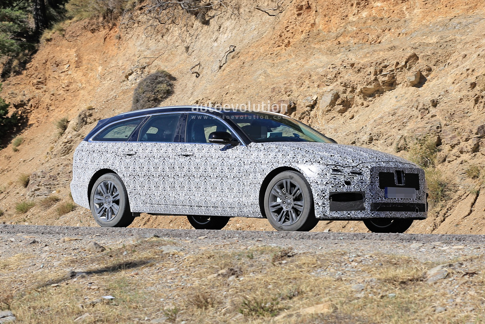 2021 jaguar xf sportbrake spied testing visual updates