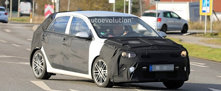 2021 Kia Rio Facelift Spied for the First Time - autoevolution