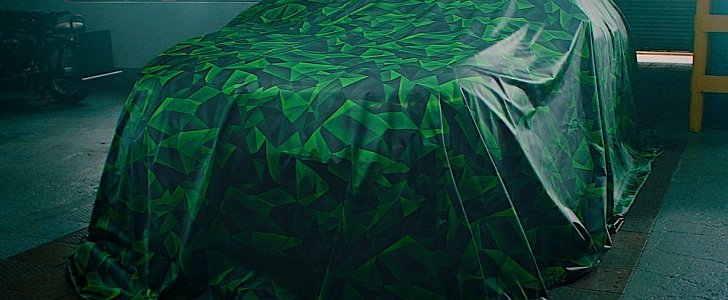 2021 Opel Mokka Electric Loses Tarp, Reveals the Same Green Camouflage