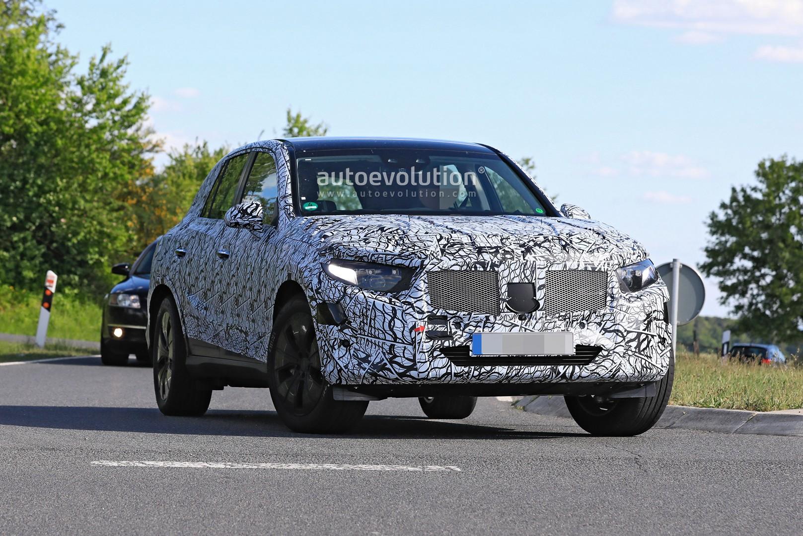 2021 - [Mercedes-Benz] GLC II 2022-mercedes-benz-glc-class-spied-up-close-looks-bigger-144220_1
