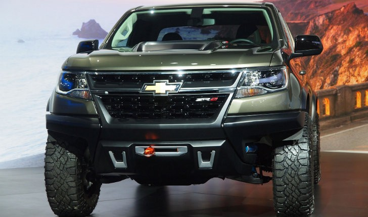 2 8l duramax turbo diesel showcased on the chevrolet. Black Bedroom Furniture Sets. Home Design Ideas
