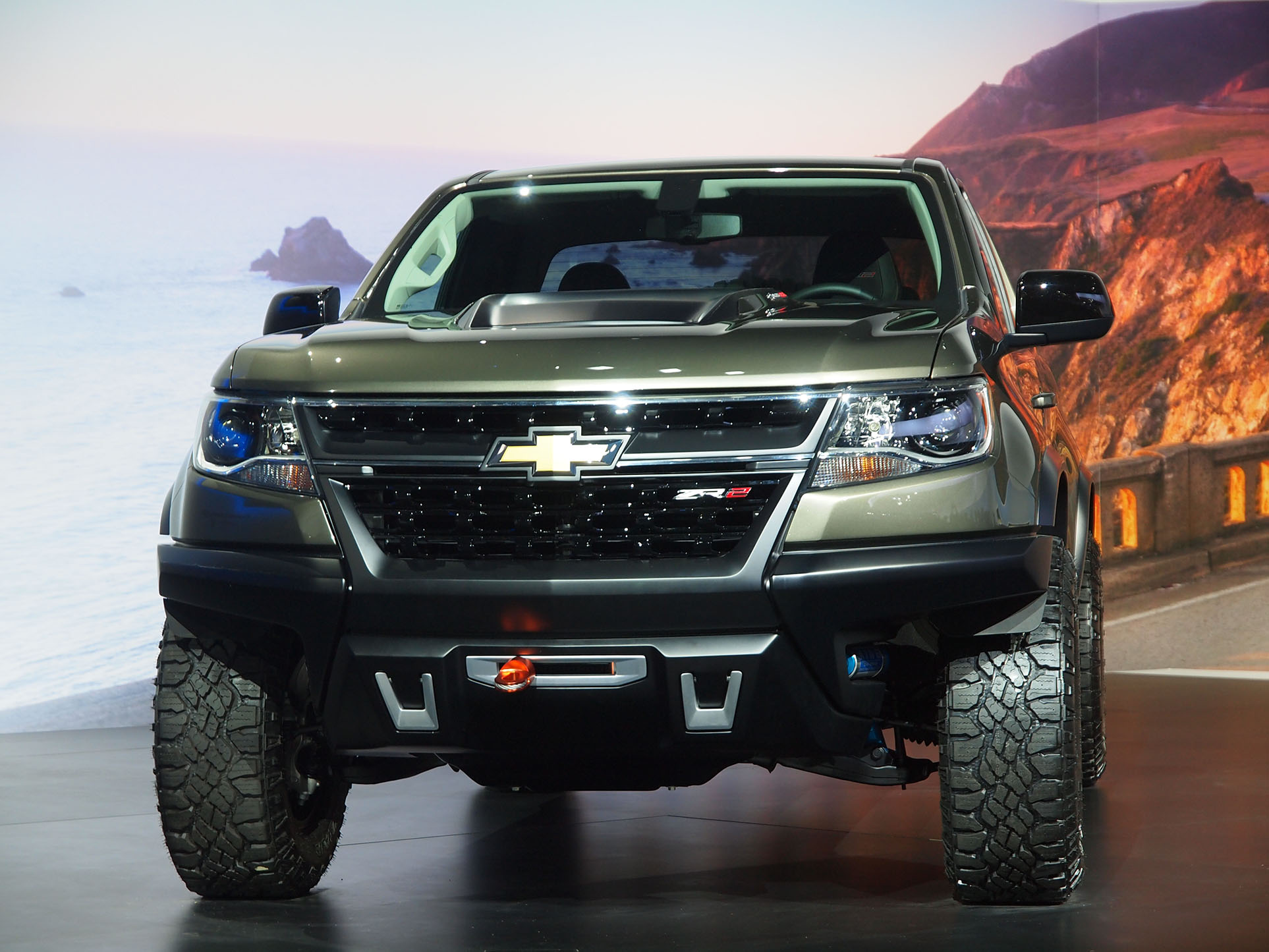 2.8L Duramax Turbo Diesel Showcased on the Chevrolet Colorado ZR2 Concept [Live Photos ...