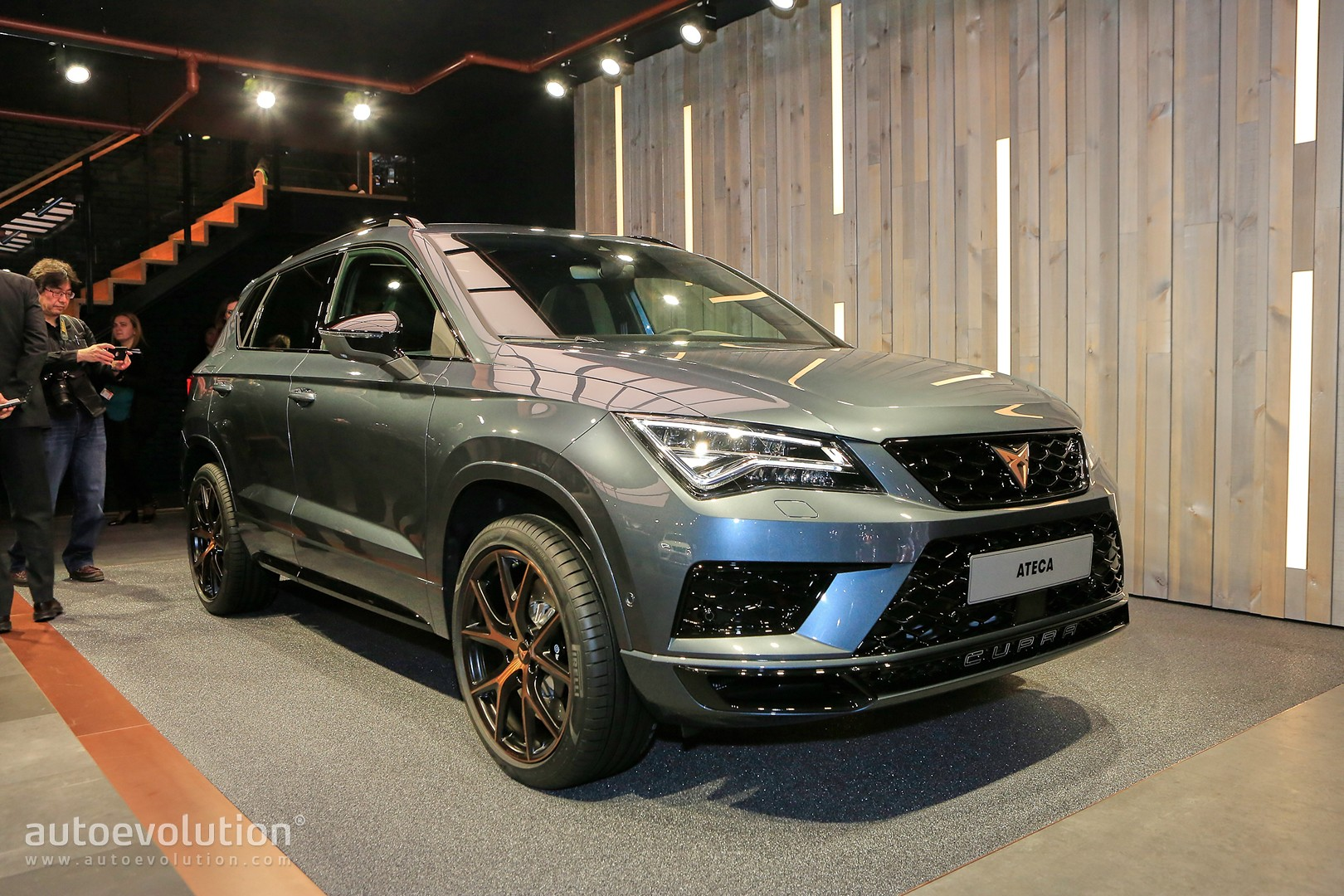 300 hp cupra ateca looks well polished in geneva. Black Bedroom Furniture Sets. Home Design Ideas