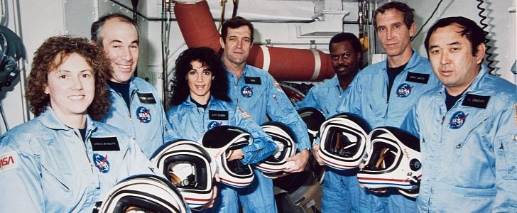 space shuttle challenger 33 years ago - photo #8