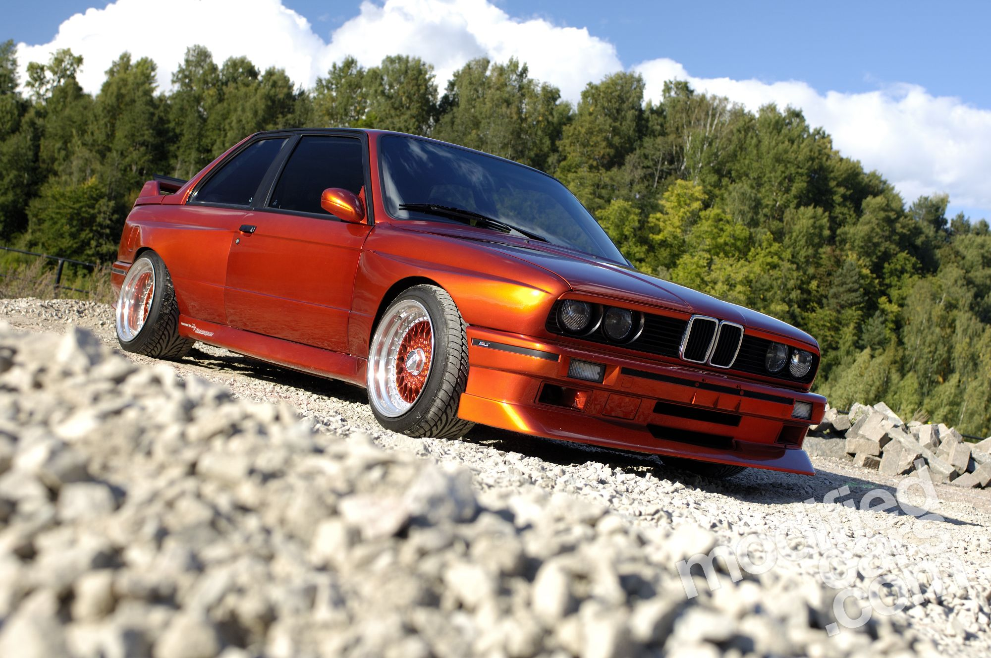 360 hp bmw e30 m3 is stunning autoevolution. Black Bedroom Furniture Sets. Home Design Ideas