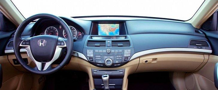 384 000 Honda Accord Models Going Under Scrutiny For