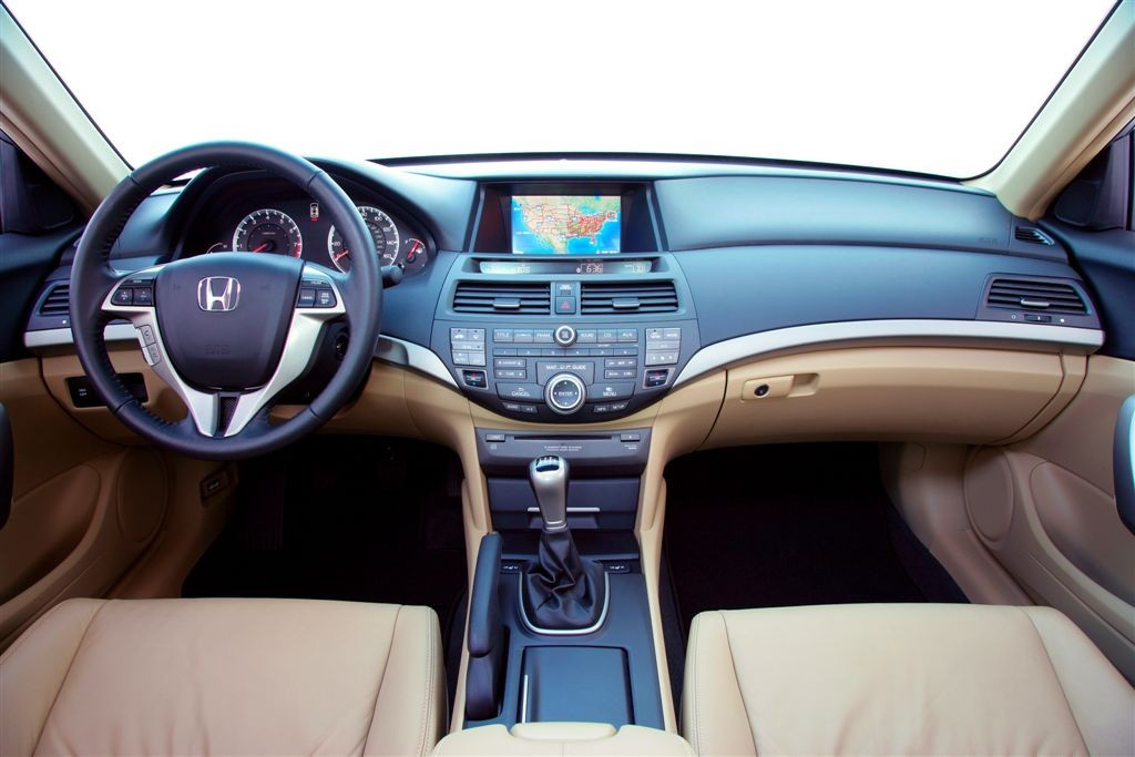384 000 Honda Accord Models Going Under Scrutiny For