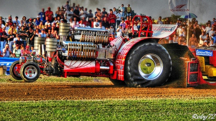 Tractor Pulling Engines : Best tractor pulling videos autoevolution