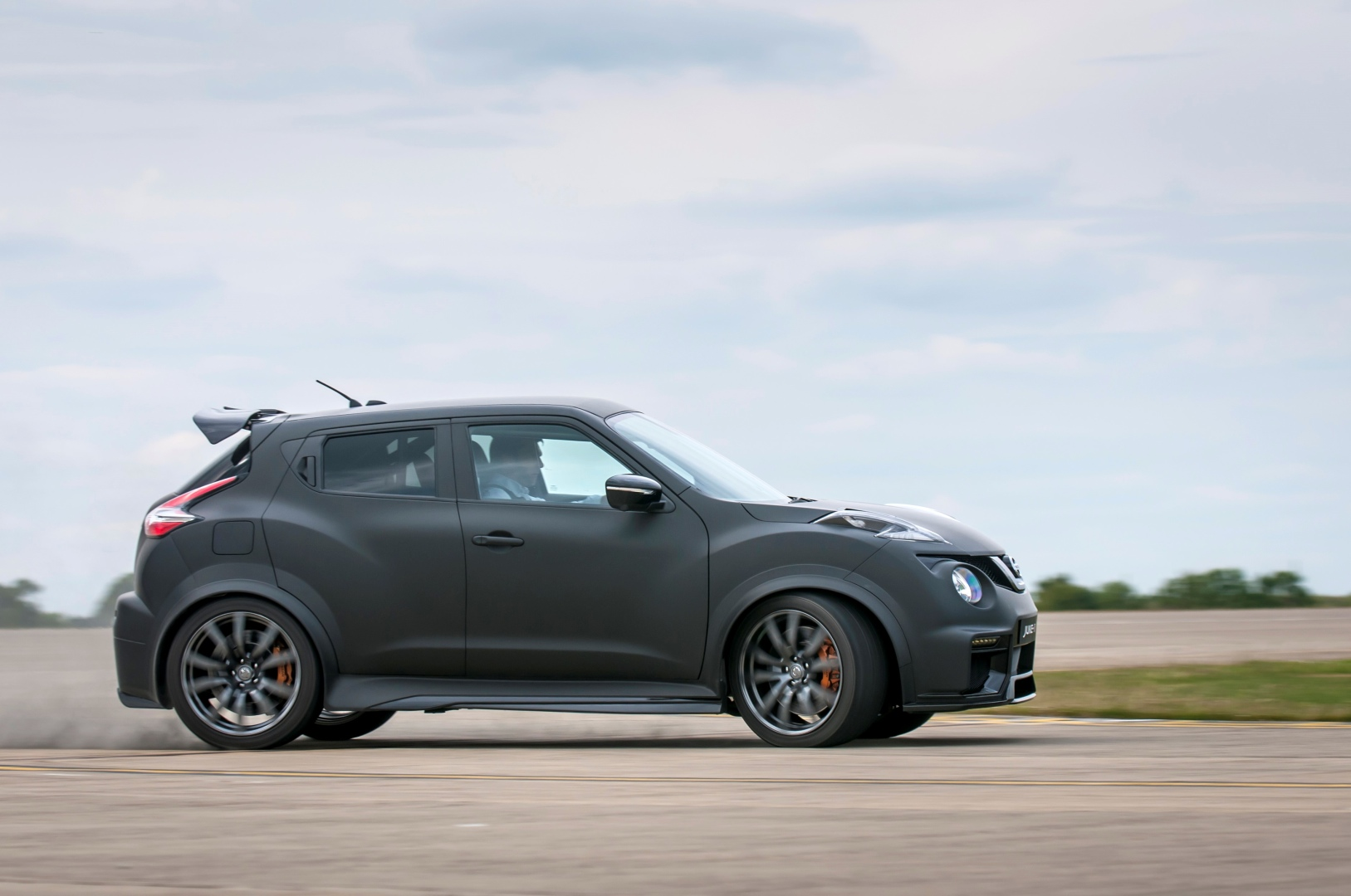 600 hp nissan juke r 2 0 shows up at goodwood threatens supercars with gt r nismo firepower. Black Bedroom Furniture Sets. Home Design Ideas