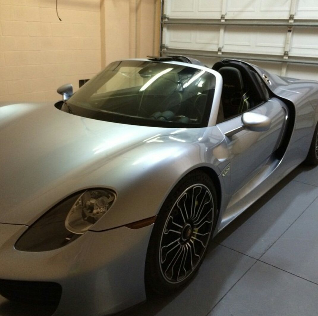 70 Year Old Lady Uses This Porsche 918 Spyder As A Daily