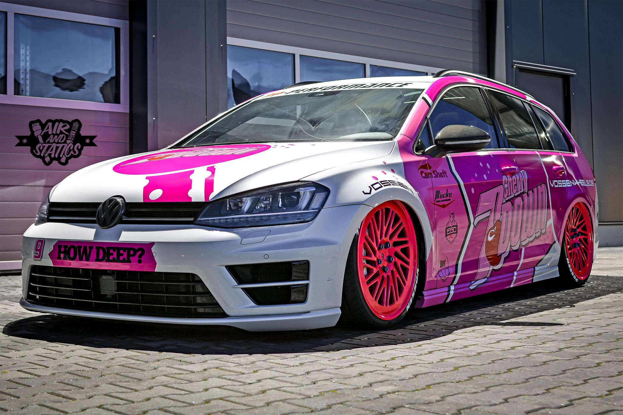 7down 2 0 is a lowered golf r variant in pink autoevolution. Black Bedroom Furniture Sets. Home Design Ideas