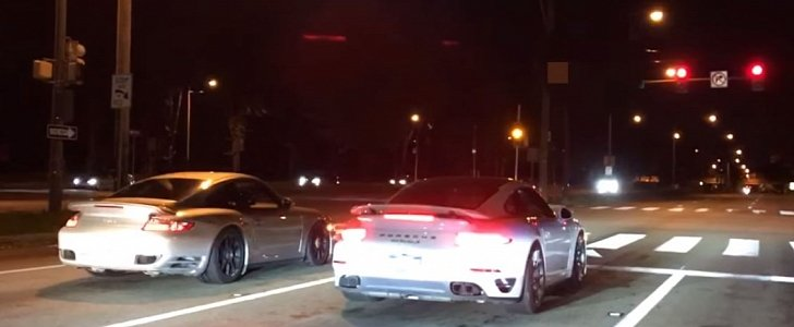 9s Porsche 911 Turbos Drag Race On The Street Cause Mayhem Autoevolution
