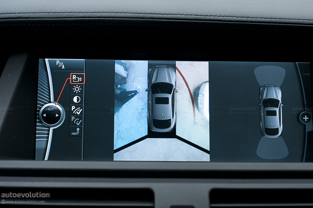 The all-round view parking camera display in a BMW X6 ActiveHybrid fe5a81689