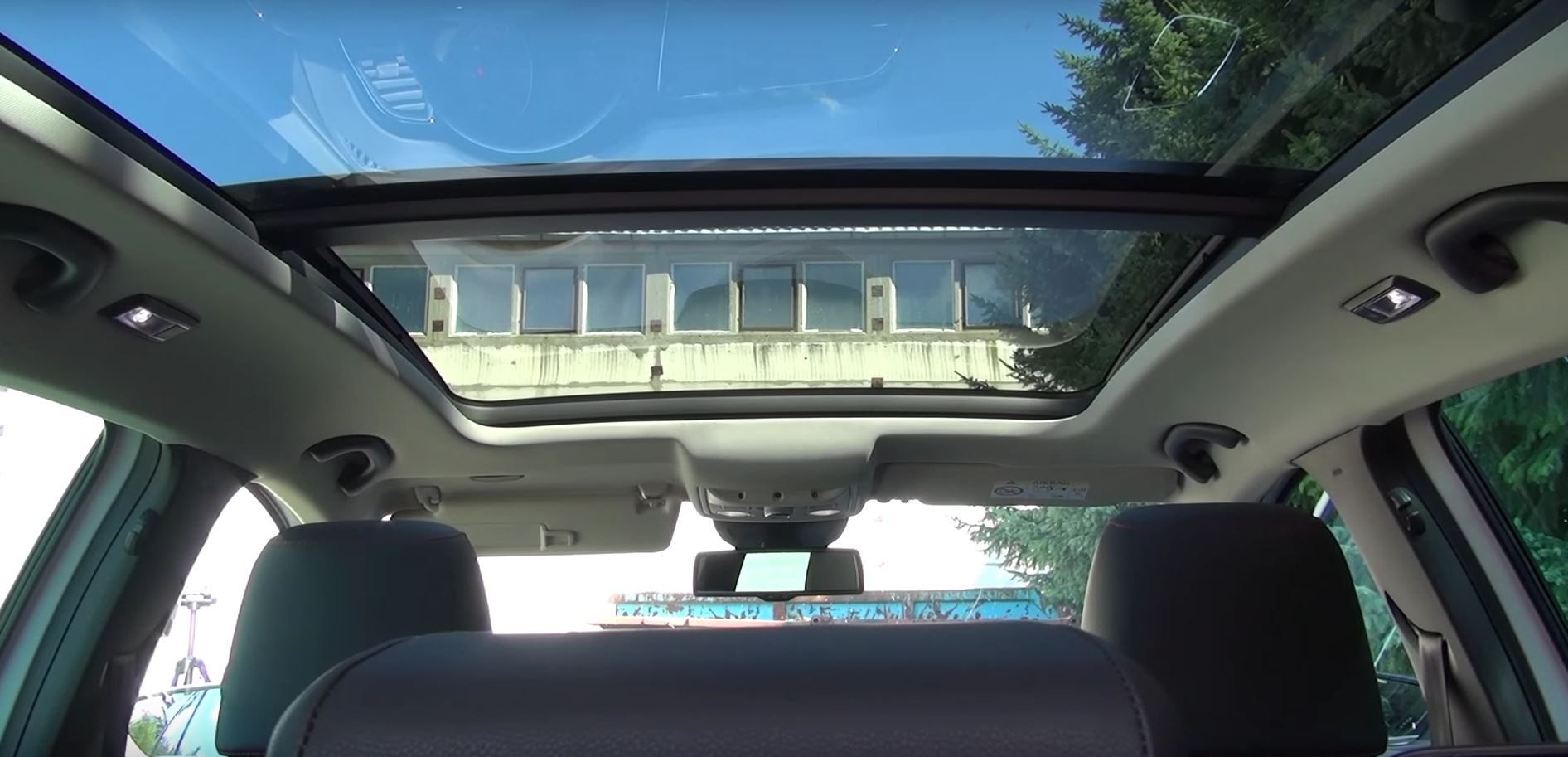 Panoramic Roof Cars >> A Look At The Seat Leon St Panoramic Roof Option Autoevolution