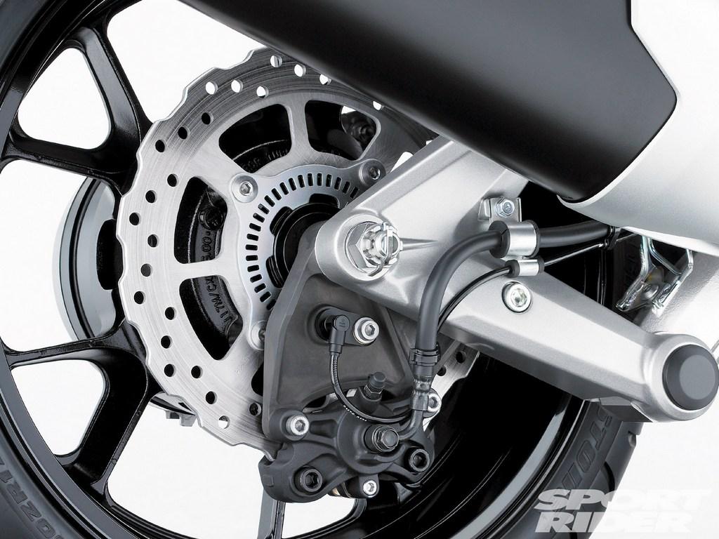 a motorcycle braking guide part 1 autoevolution. Black Bedroom Furniture Sets. Home Design Ideas