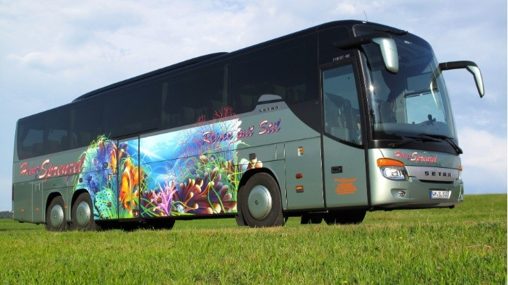 "A Setra Wins ""Most Beautiful Bus of 2013"" Award"