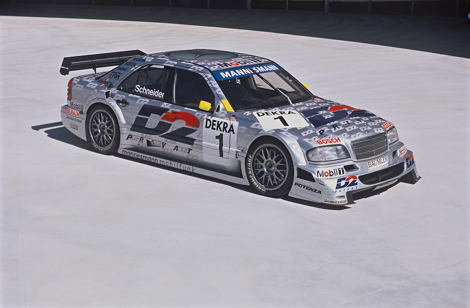A short history of the mercedes benz c class in dtm for Mercedes benz c class w202