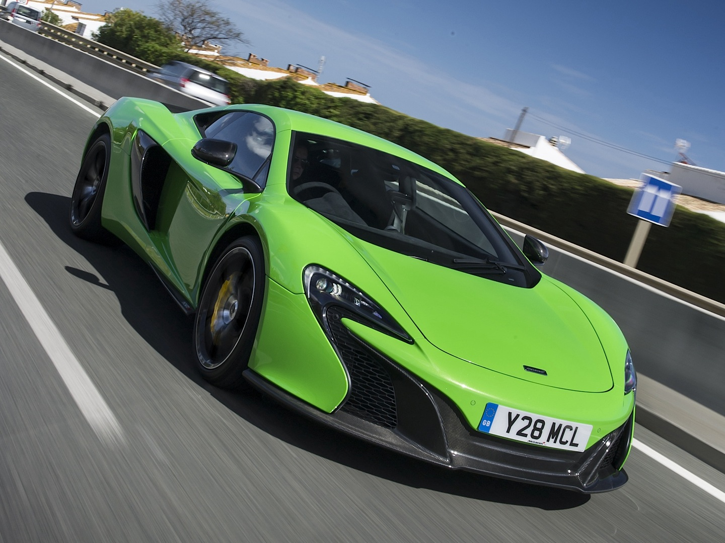 A Supercar on Acid: McLaren 650S Coupe in Green - autoevolution