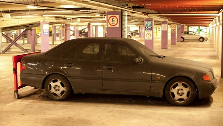 Abandoned mystery mercedes benz scores record 14k parking for Parking at mercedes benz superdome