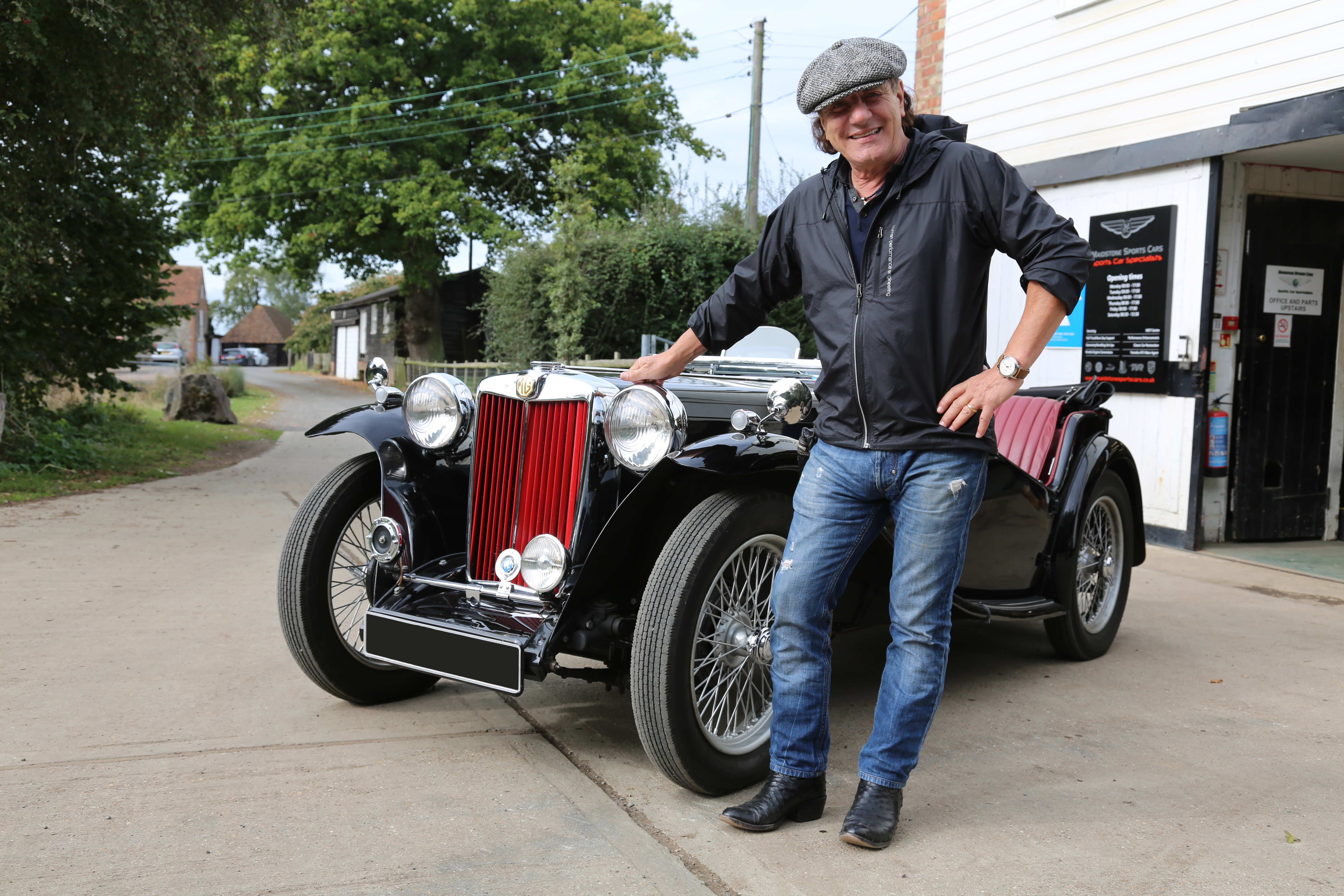 Ac Dc Lead Singer Brian Johnson Visits Mg Hq In New Quot Cars