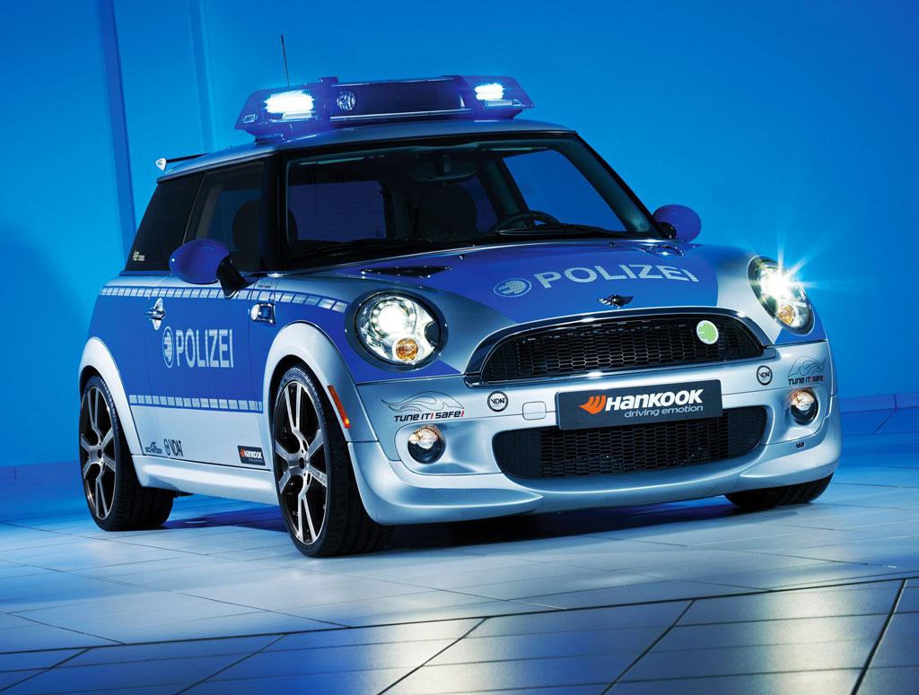 Ac schnitzer mini e police car autoevolution ac schnitzer mini e police car vanachro Gallery