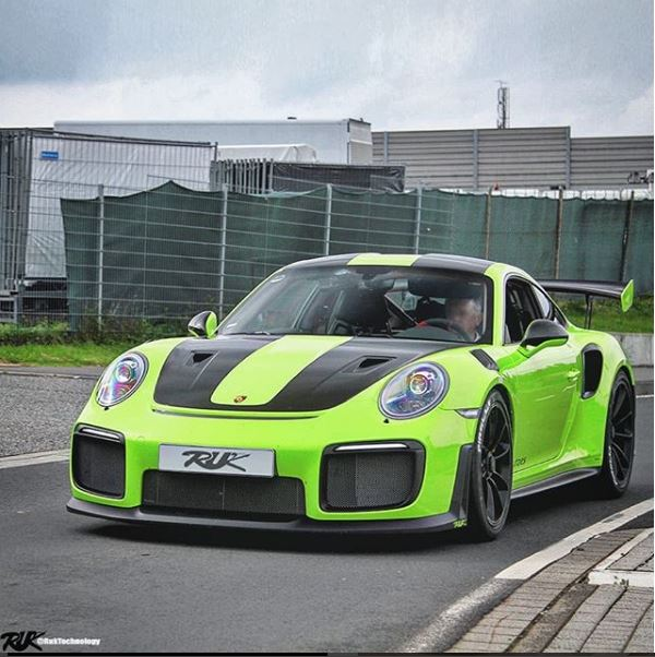 acid green 2018 porsche 911 gt2 rs rendered as ticking. Black Bedroom Furniture Sets. Home Design Ideas