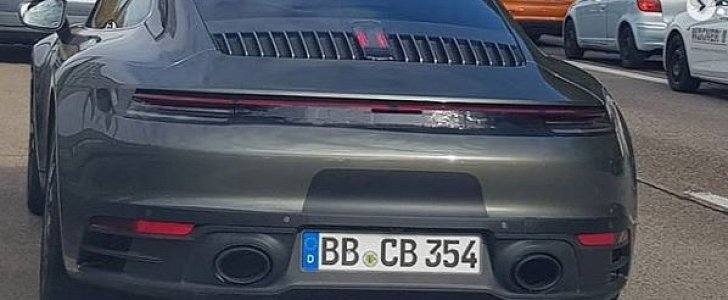 Agate Grey 2020 Porsche 911 Looks Stealth in German Traffic