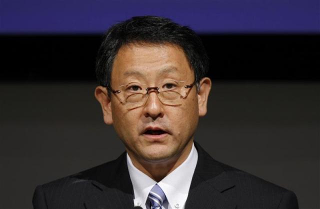 As announced since yesterday, Toyota's CEO <b>Akio Toyoda</b> traveled to China to <b>...</b> - akio-toyoda-apologizes-to-china-17445_1