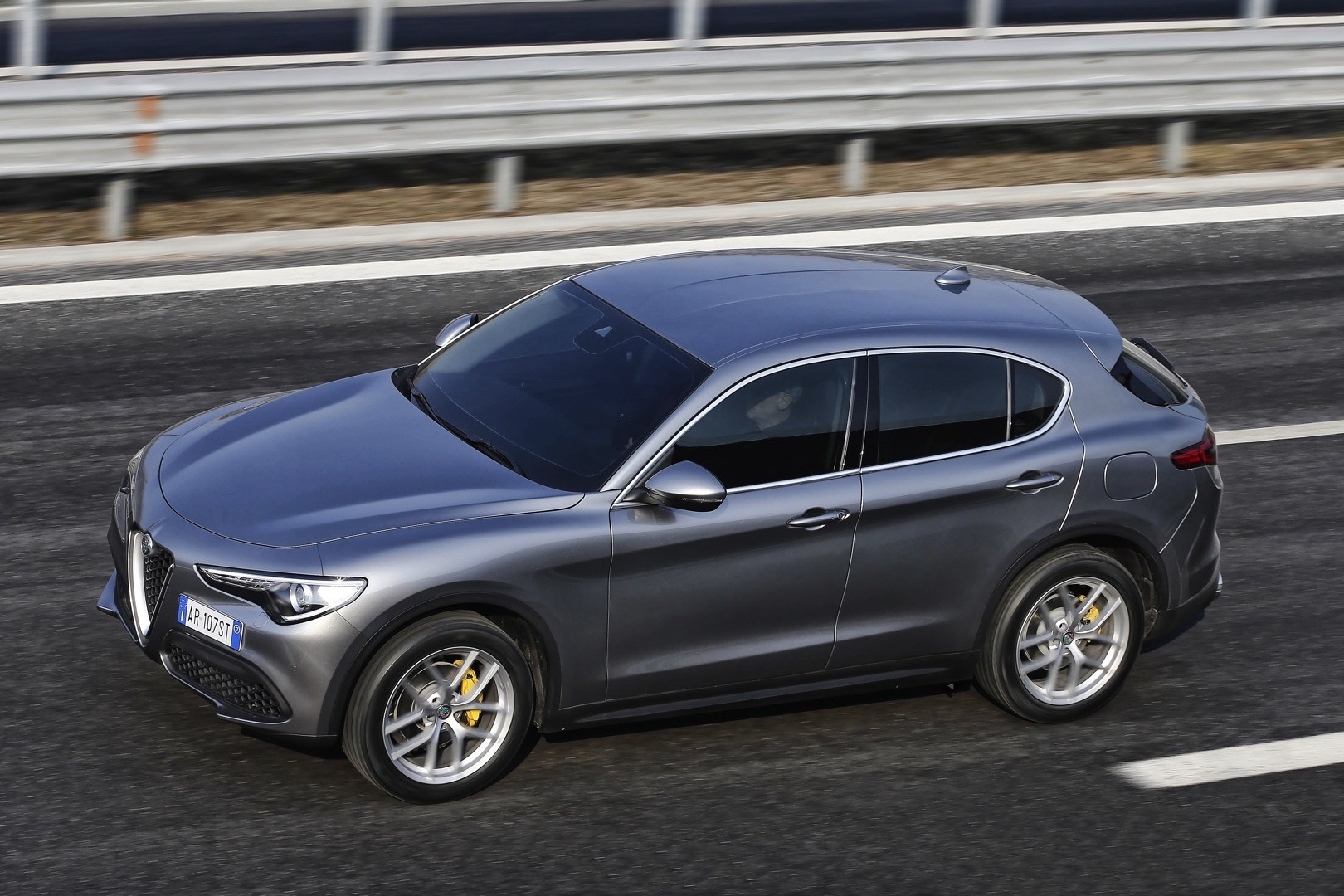 alfa romeo expands stelvio range with 200 ps turbo and rwd 2 2l 180 ps diesel autoevolution. Black Bedroom Furniture Sets. Home Design Ideas