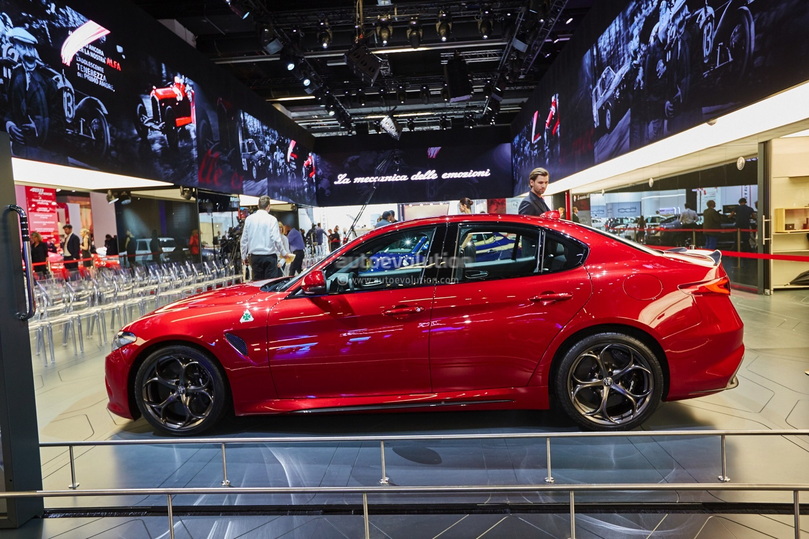 alfa romeo giulia qv now fastest sedan on 39 ring lands in. Black Bedroom Furniture Sets. Home Design Ideas