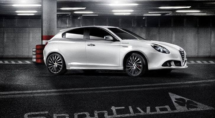 Alfa Romeo Giulietta Sportiva Unveiled [Photo Gallery]