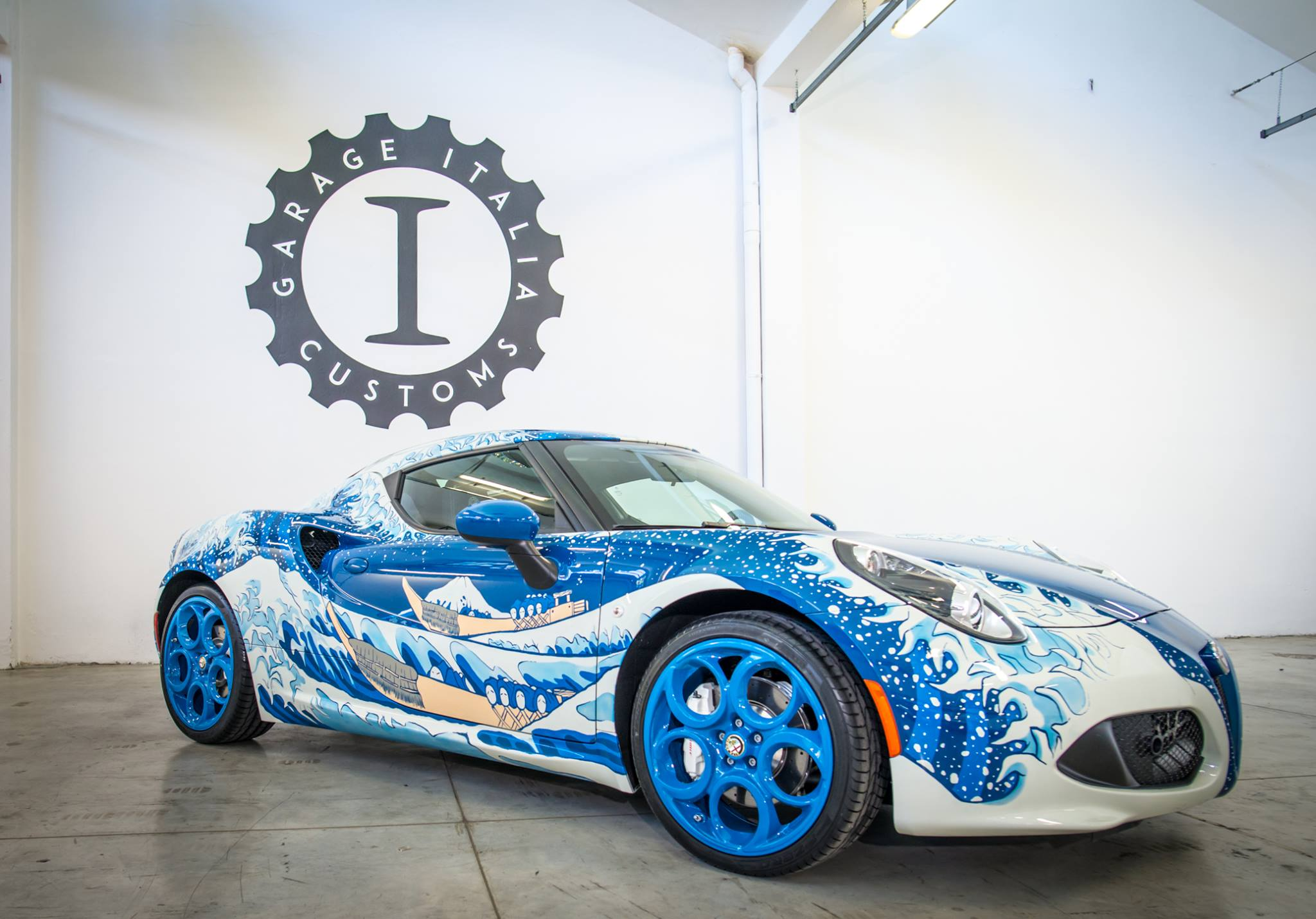 Alfa romeo great wave by garage italia customs is a for Garage specialiste alfa romeo