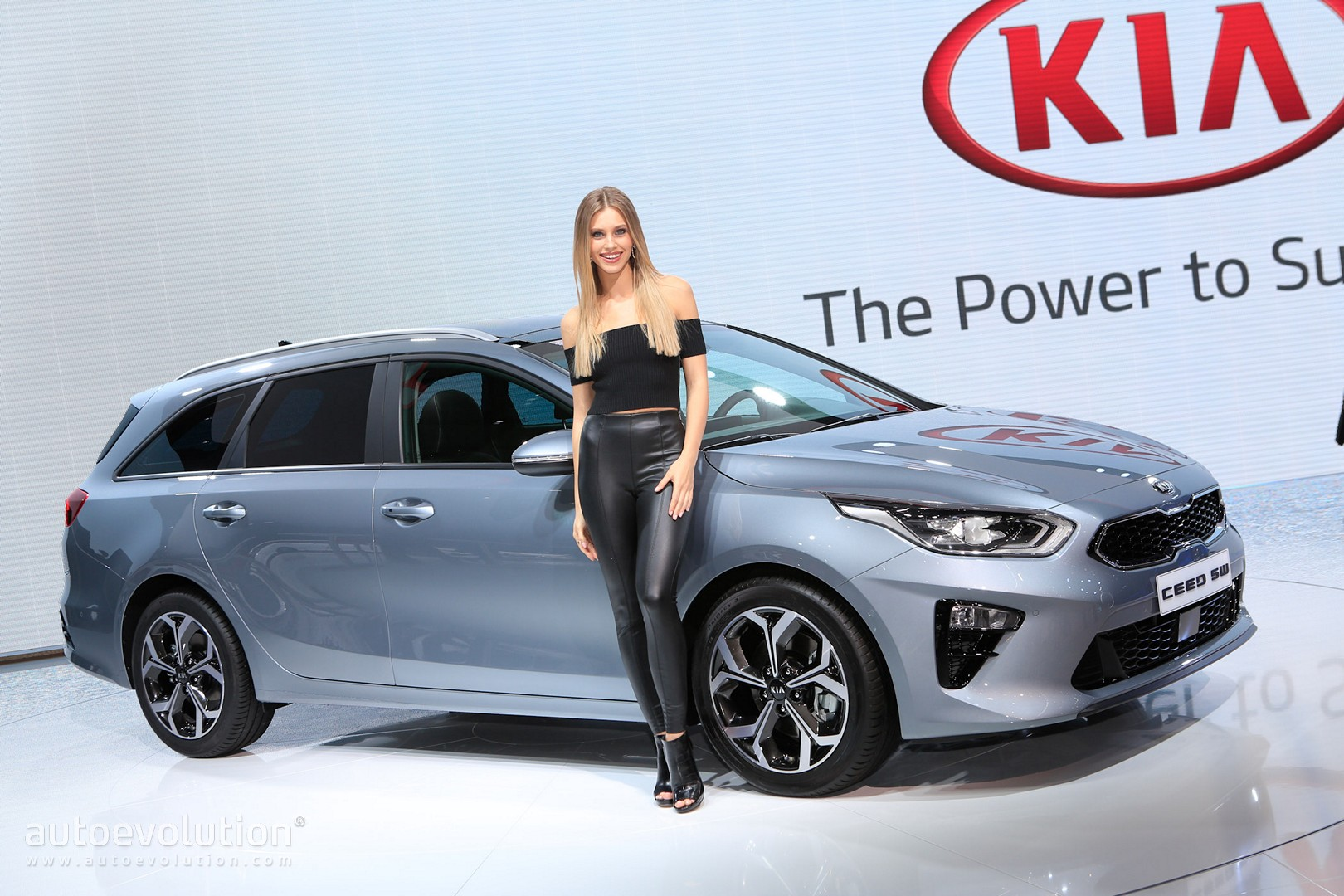 All New 2019 Kia Ceed Wagon Joins Hatchback In Geneva