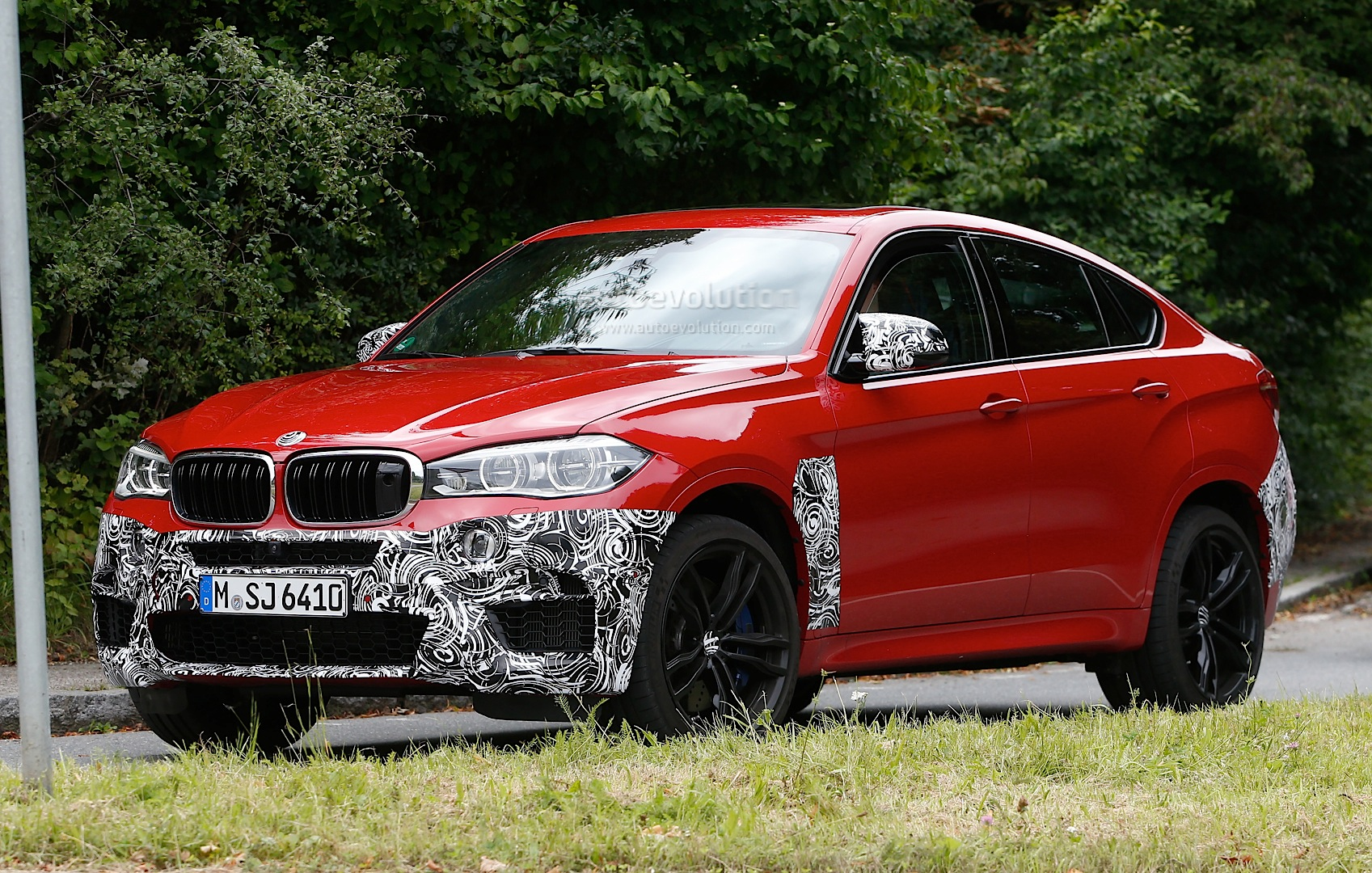 Bmw X6 Boot Space >> All-New BMW X6 M (F86) Spied with Minimal Camouflage: the Super-SAC - autoevolution