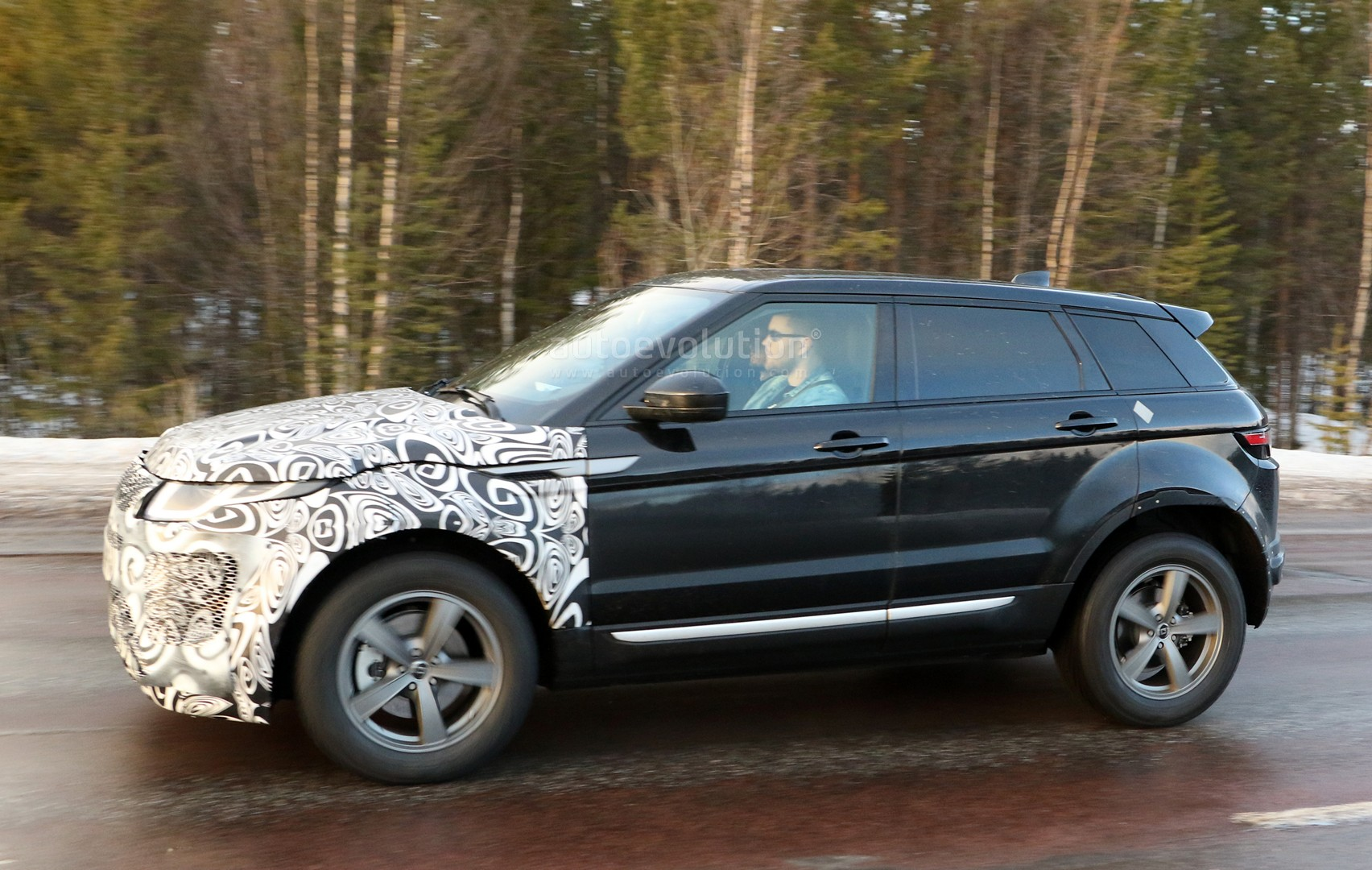 kong the new rover hong in tatler discovery life has land cropped arrived landrover