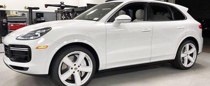 All White Porsche Cayenne Turbo Shows Clean Spec Autoevolution